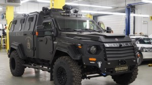 winnipeg-police-armoured-vehicle