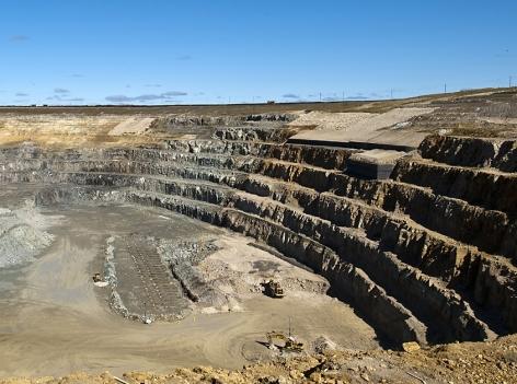 DeBeers' open pit mine near Attawapiskat. Photo: wikipedia.org